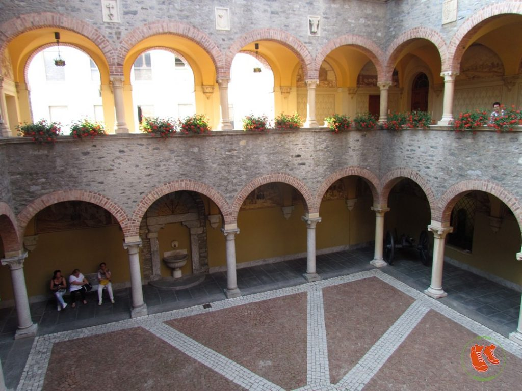 zu Fuss unterwegs; Bellinzona; Tor zum Tessin; Tessin; Stadtspaziergang