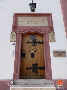 zu Fuss unterwegs; auf Reisen; Stadtspaziergang; Eisenach; Wartburg; gehen; wandern
