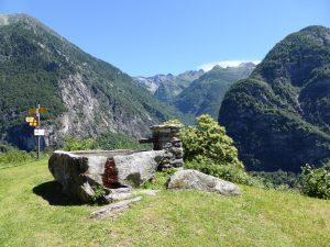 Wanderreise Tälerhüpfen Tessin wandern Schweiz individiduell
