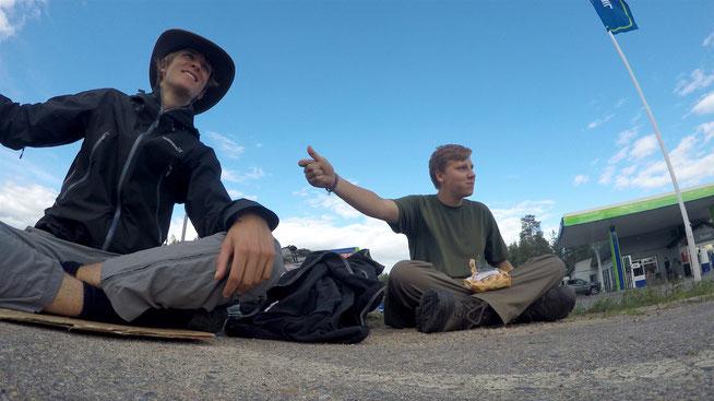 Jannis Riebschläger: Trampen und Wandern