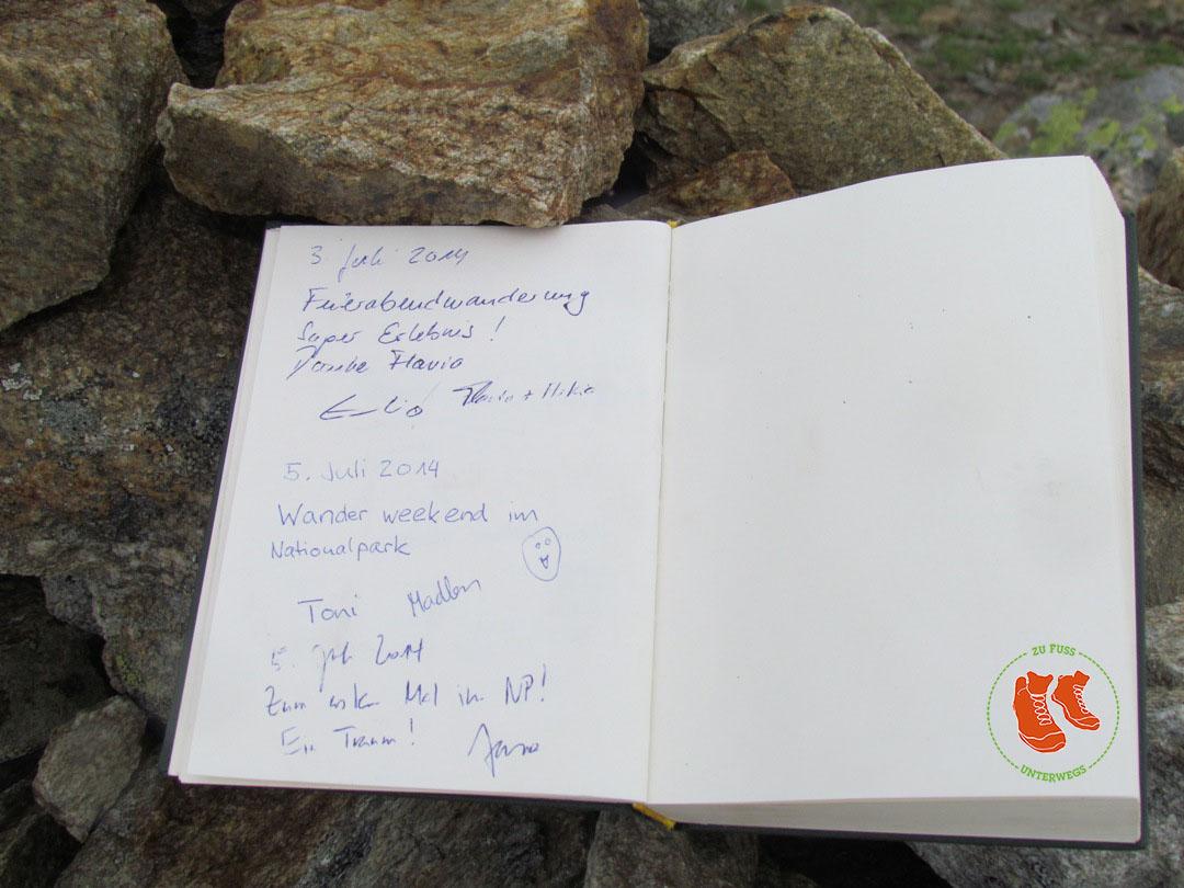 Schweizerischer Nationalpark - Gipfelbuch auf dem Munt Baselgia