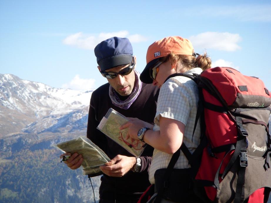 Abenteuer erleben - mit Karte und Kompass einen Weg finden